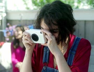 Kodak PRINTOMATIC Digitale Sofortbildkamera, Vollfarbdrucke auf ZINK 2x3-Fotopapier mit Sticky-Back-Funktion - Drucken Sie Memories sofort (Grau) - 7